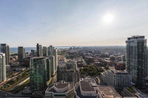 Applewood Suites - Modern Skyview 3 Bdrm - Toronto, ON M5V 0E9