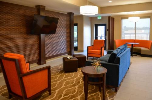 Comfort Suites Florence - Florence, KY 41042
