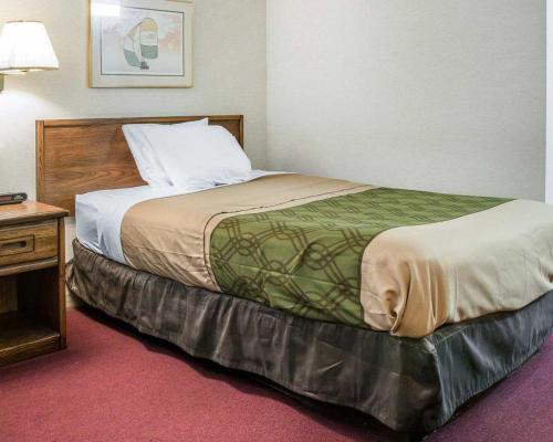 Econo Lodge Holland Photo