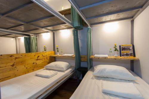 Backpacker Hanoi Hostel photo 5