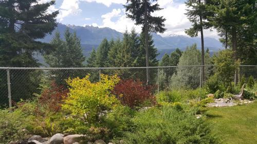 Deer Ridge B&b - Golden, BC V0A 1H1