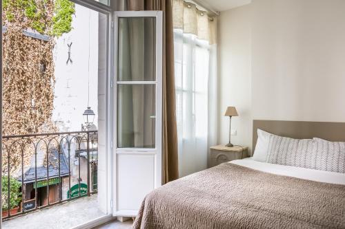 12 rue de la Rotisserie, 37000, Tours, France.