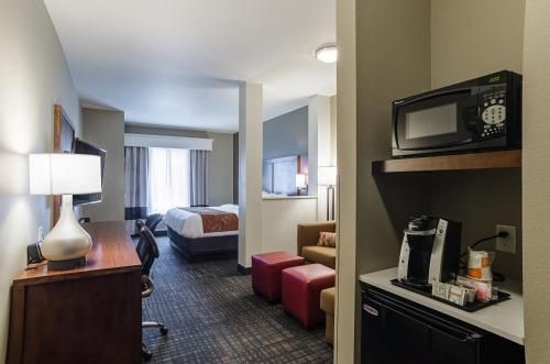 Comfort Suites Loveland Johnstown - Johnstown, CO 80534