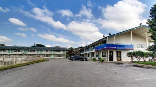Motel 6 Des Moines South - Airport - Des Moines, IA 50321