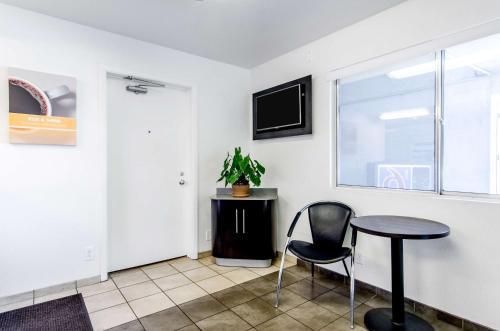 Motel 6 Centralia - Centralia, WA 98531