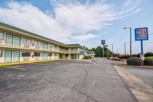 Motel 6 Tuscaloosa - Tuscaloosa, AL 35405