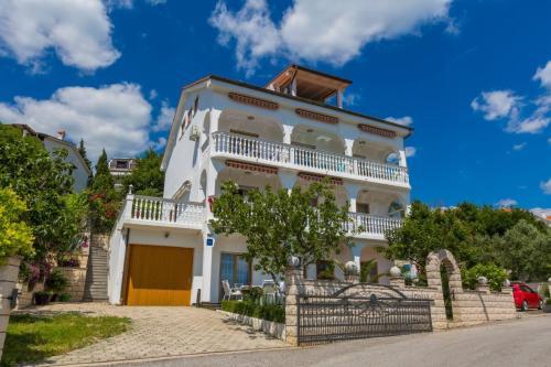 Three-Bedroom Apartment in Crikvenica XI
