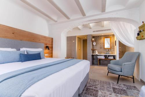 Deluxe Double Room with Side Sea View Hotel Boutique La Serena - Adults Only 9
