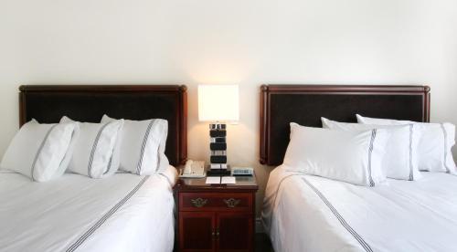 Granville Island Hotel Photo
