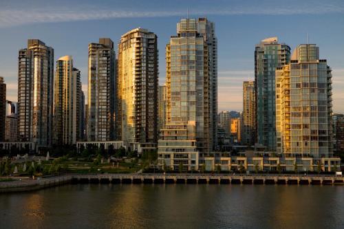 1253 Johnston Street, Vancouver, BC V6H 3R9 Canada.