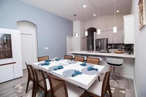 Holiday Home Next To Disney Parks - Kissimmee, FL 34741