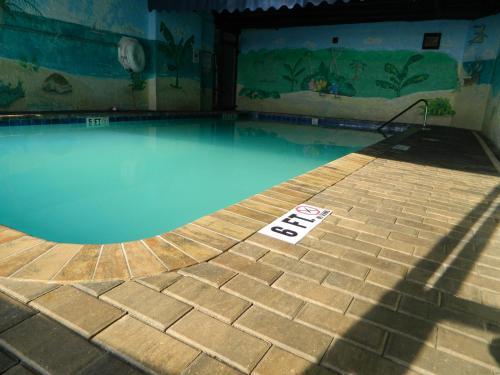 Tropical Winds Resort Hotel Photo