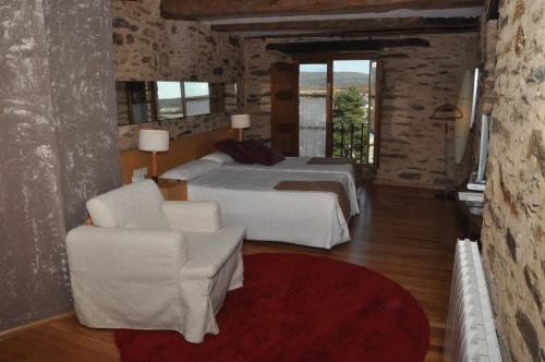 Double or Twin Room with Extra Bed Posada Real La Carteria 7