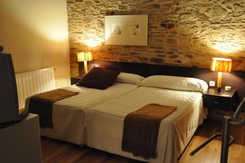 Double or Twin Room with Extra Bed Posada Real La Carteria 6