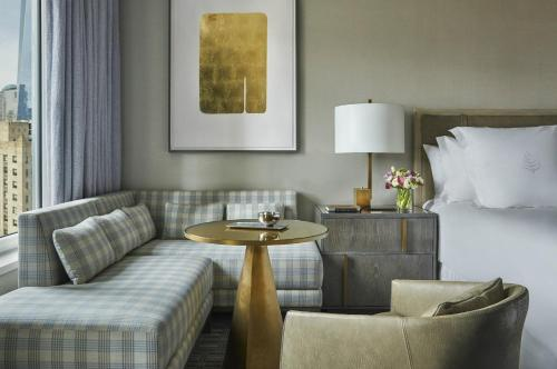 Four Seasons Hotel New York Downtown Photo