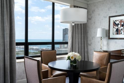 The Ritz-Carlton, Chicago photo 16
