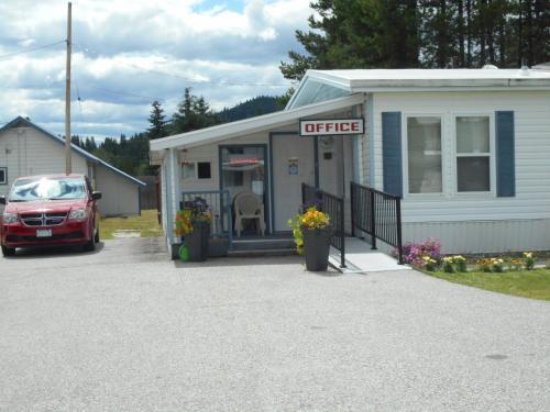 Blue River Motel Photo