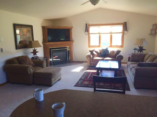 Jagerhaus Lodge - Spearfish, SD 57783