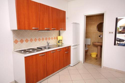 Apartment Jezera 5120c Photo 17