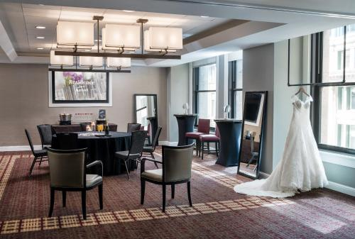 Residence Inn by Marriott Chicago Downtown/Loop Photo