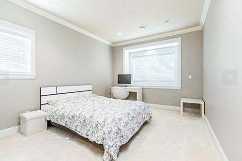 Rooms In Richmond For Rent - Richmond, BC V7C 1K3