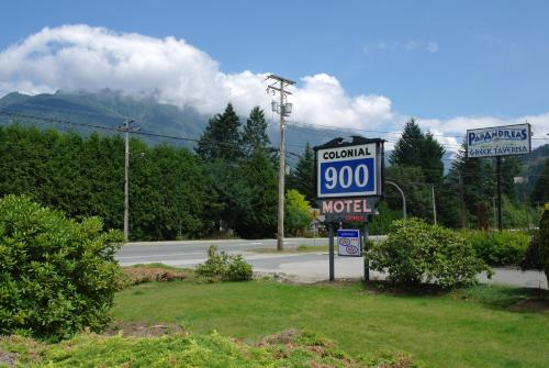Colonial 900 Motel - Hope, BC V0X 1L0