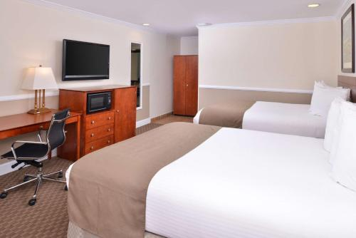 Best Western Capistrano Inn Photo