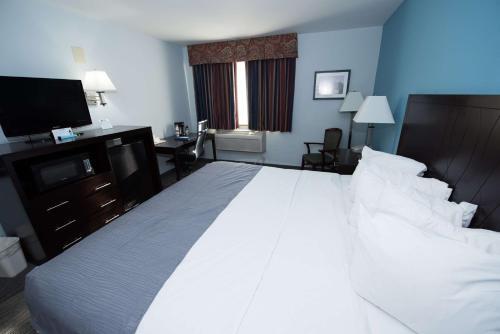 Best Western New Baltimore Inn Photo