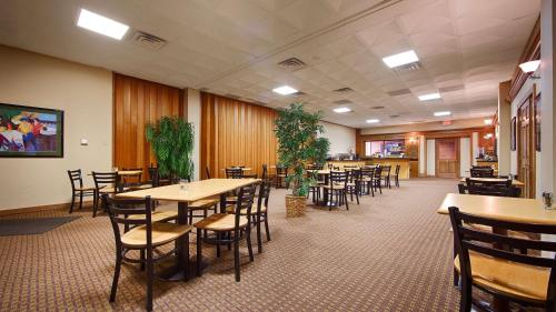 Best Western Starlite Village - Fort Dodge, IA 50501