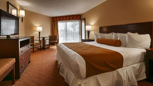 Best Western Oak Manor - Biloxi, MS 39530