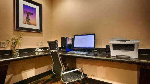 Best Western Plus Goliad Inn & Suites Photo