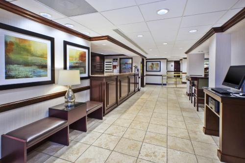 Best Western Dulles Airport Inn Photo