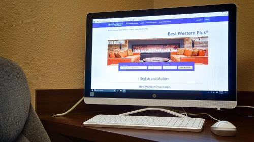 Best Western Plus Sam Houston Inn & Suites - Houston, TX 77064