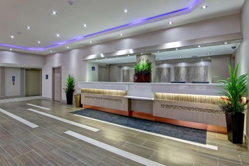 Best Western Plus Toronto North York Hotel & Suites photo 6