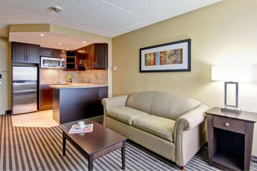 Best Western Plus Toronto North York Hotel & Suites photo 28