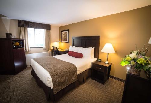 Best Western Plus Baker Street Inn & Convention Centre - Nelson, BC V1L 4H1