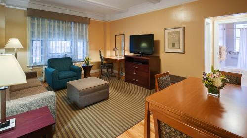 Best Western Plus Hospitality House Suites photo 46