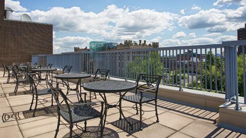 Best Western Plus Ottawa Downtown Suites Photo
