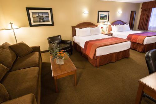 Best Western Sicamous Inn Photo