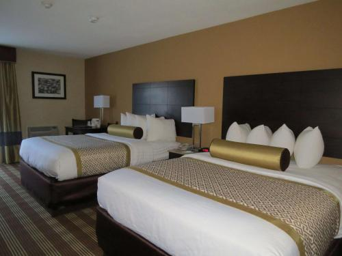 Best Western Cape Cod Hotel Photo