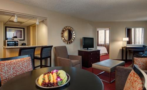 Emby Suites West Palm Beach Hotel
