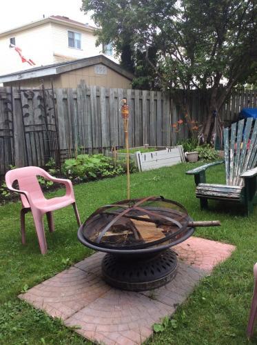 Comfortable Place - Orangeville, ON L9W 4R9