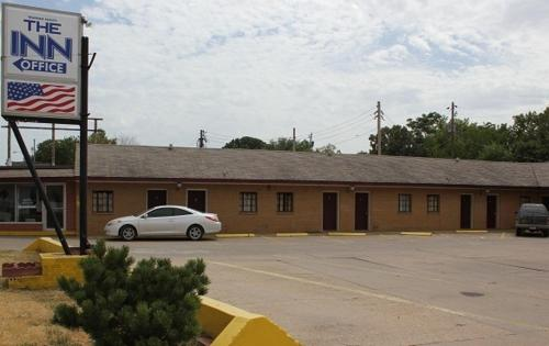 The Inn - El Dorado, KS 67042
