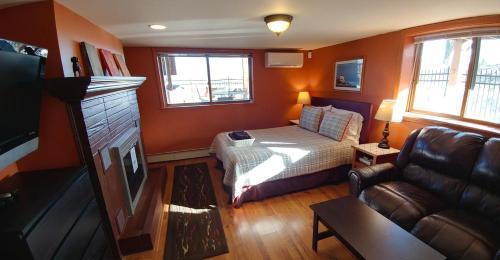 Miller Beach Dream Retreat - Gary, IN 46403