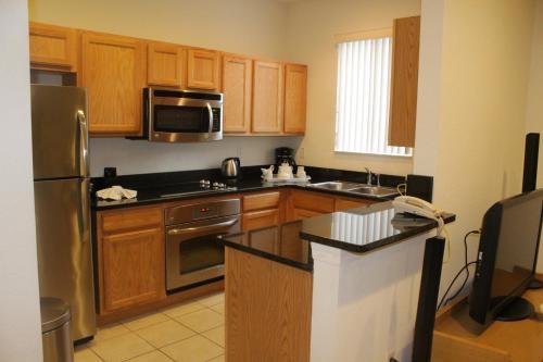 Regal Oaks Rentals - Kissimmee, FL 34746