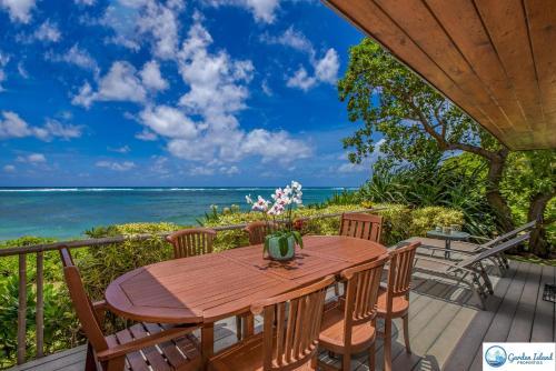 Niulani Beachfront Home Photo