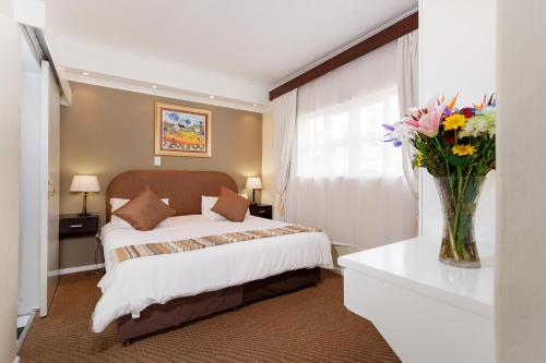 Best Western Cape Suites Hotel photo 42