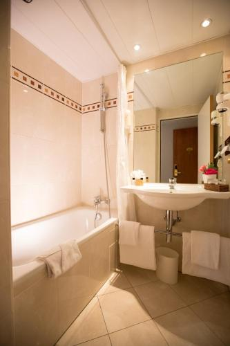 Hotel Elysees Opera photo 15