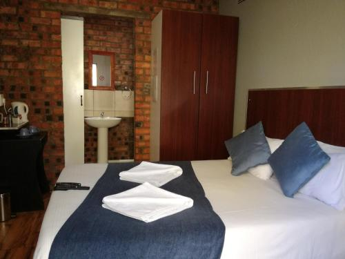 21 On Coetzee Guest House Photo