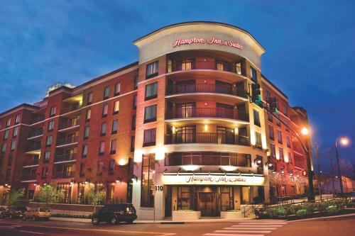 Hampton Inn & Suites Nashville Downtown in Nashville
